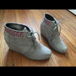 Grey TOMS Booties 🌿